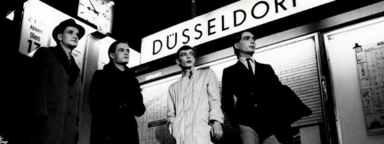 Kraftwerk – Trans Europe Express (1977)