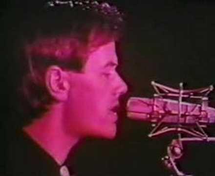 Kraftwerk – Radioactivity (1975)